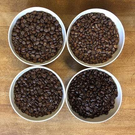 mokkamestarit eri paahtoasteisia kahvipapuja