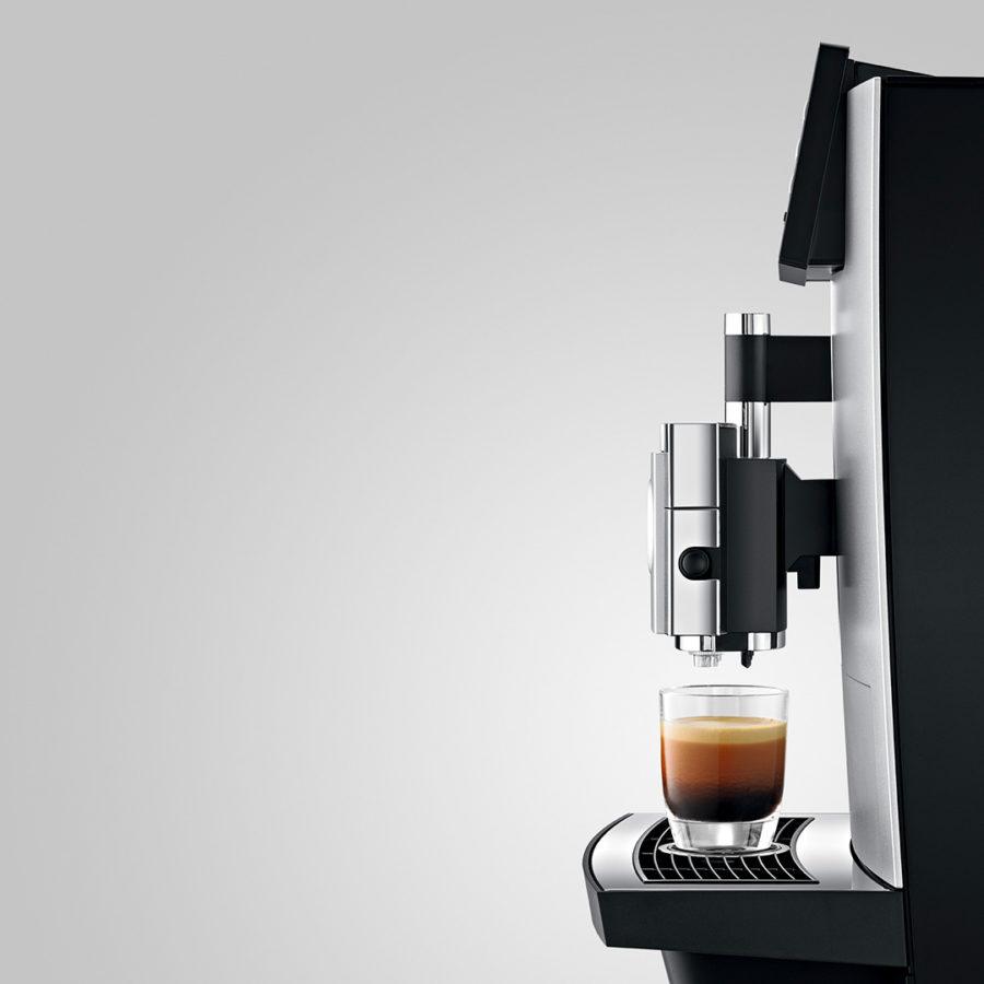 Jura_x8_platinum_automatic_coffee_machine_8