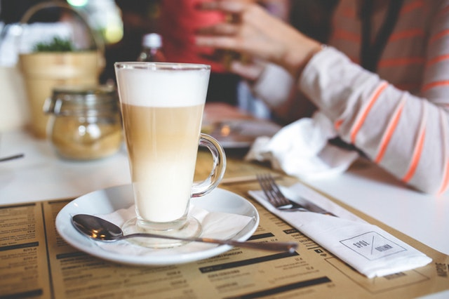 Coffee drinks: Latte