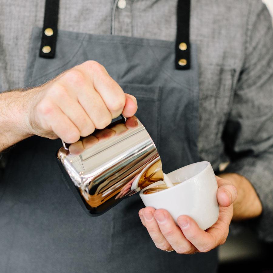 SLURP-Barista-Hustle-Precision-Milk-Pitcher-400ml-Latte-Art